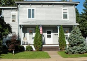 48 Miller St, Oneonta, New York 13820, 1 Bedroom Bedrooms, ,1 BathroomBathrooms,1-Bedroom,9 Month Lease,48 Miller St,1022
