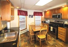 78 Elm Street, Oneonta, New York 13820, 3 Bedrooms Bedrooms, ,1 BathroomBathrooms,3-Bedroom,9 Month Lease,78 Elm Street,1035